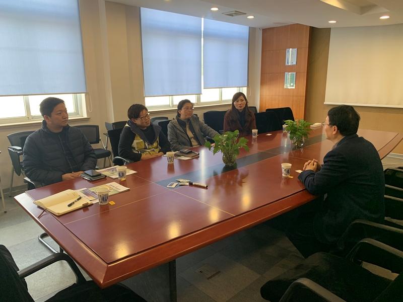 区领导赴上海蔓意船舶技术服务有限公司走访慰问高层次人才